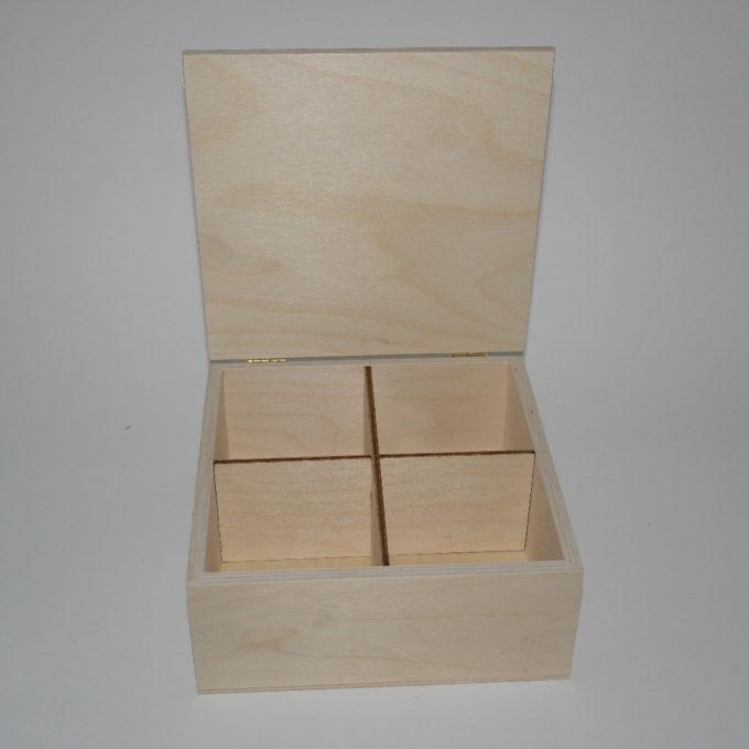 Scatola in legno incisa a laser cm 19x19x8