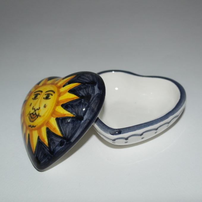 scatola in ceramica di castelli forma cuore cm 8