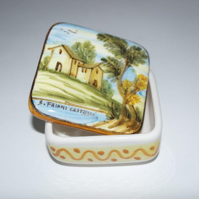 Scatola in ceramica di castelli dipinta a mano panorama