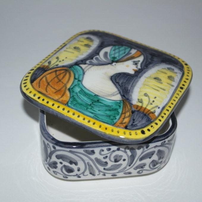 Scatola in ceramica di castelli dipinta a mano nobili