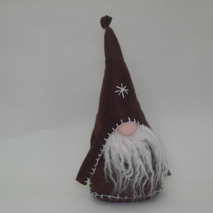 Gnomo maschio in stoffa marrone cm 20 con cappello