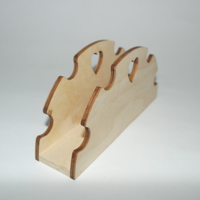 Portatovagliolo in legno lavorato con cuore