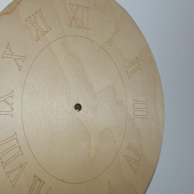 Sagoma orologio ovale in legno