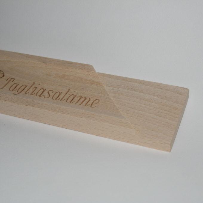 Tagliasalame in legno artigianale