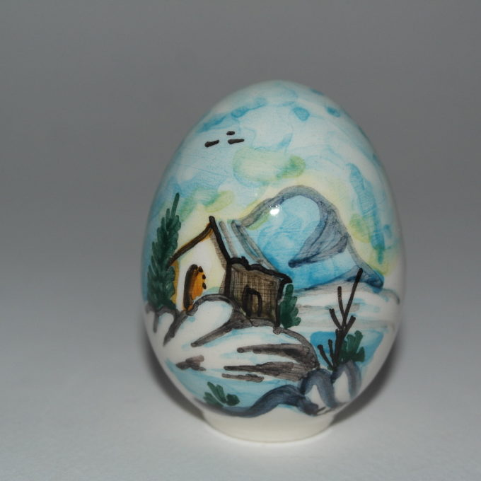 Uovo in ceramica di Castelli dipinto a mano