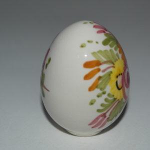 uovo in ceramica di castelli
