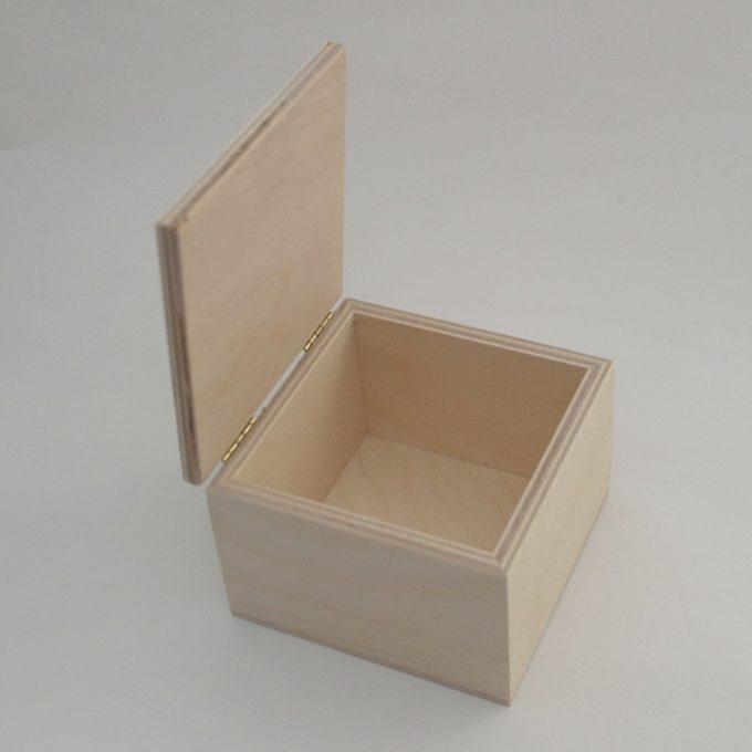 Scatola in legno cm 11x11x8